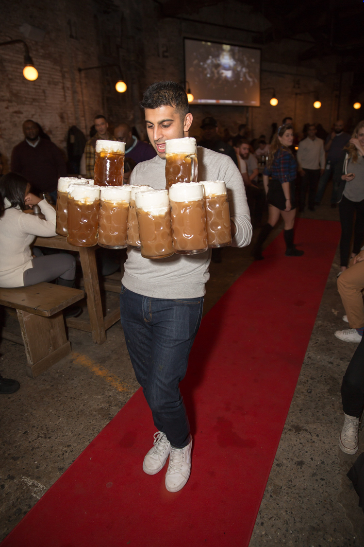 Stein Carrying Competition